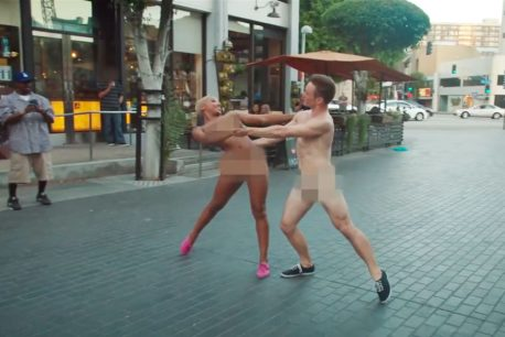 VH1-Naked-Cpub-Flashmob